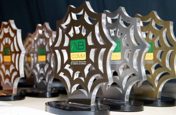 LAHAR vende como melhor ferramenta de Marketing Digital em 2017 pela ABComm
