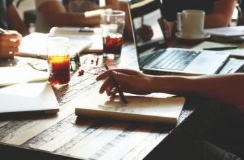 Como vender consultoria de marketing digital: 7 táticas da proposta de valor ao networking