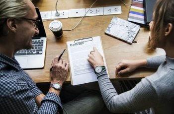 Como contratar um profissional de marketing: 4 passos para achar o profissional ideal para o seu time!