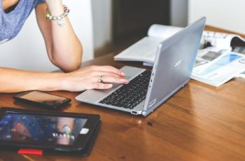 Exemplos de chatbot: 6 empresas que usam a tecnologia [melhores cases]